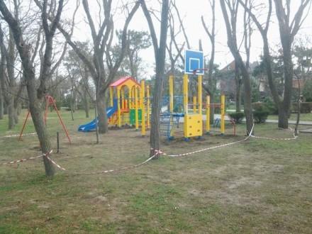 В сквере Гудовича открыли детскую площадку