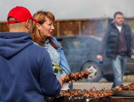 Пункты питания открыты на подъезде к порту «Кавказ»