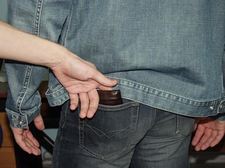 В Анапе задержан карманник
