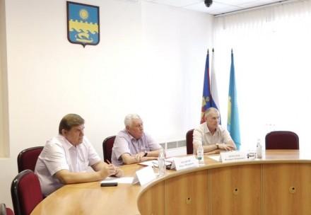 Юрий Поляков знакомится с активистами города